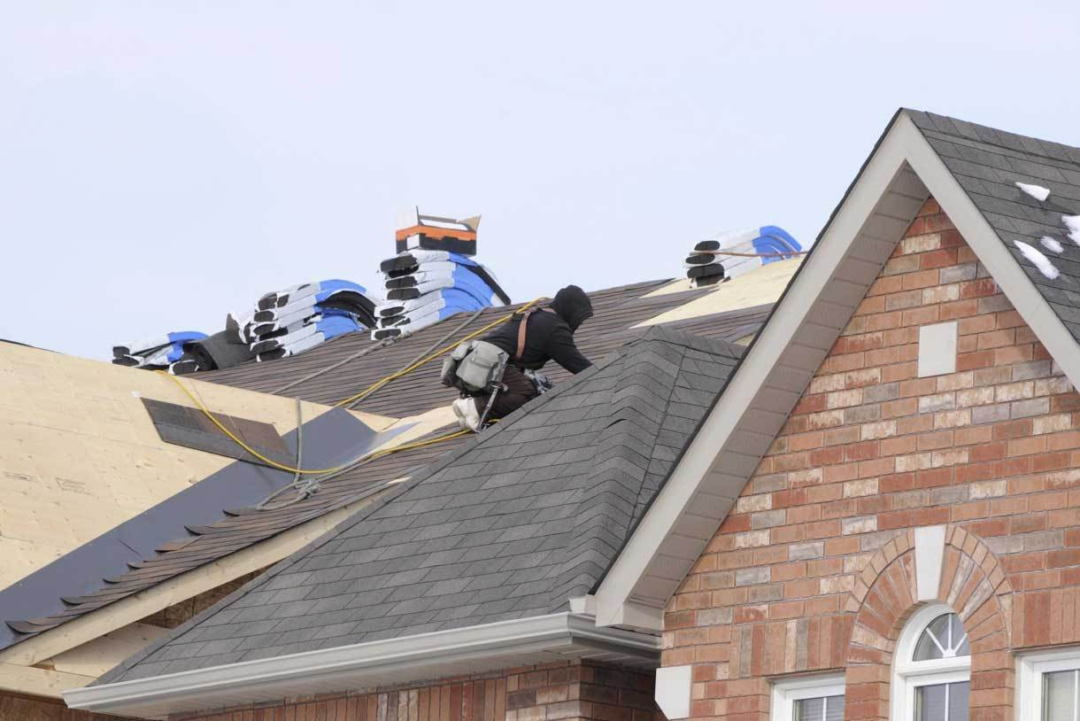 local roofing companies near