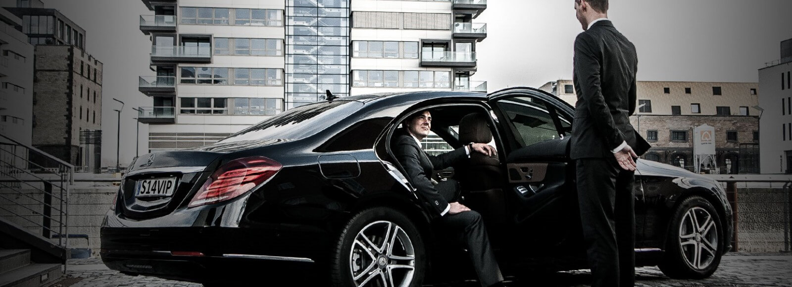 Car-Chauffeur -Hire-In-Dubai