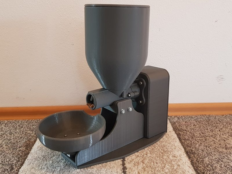 A Useful Feature For Cat Feeders