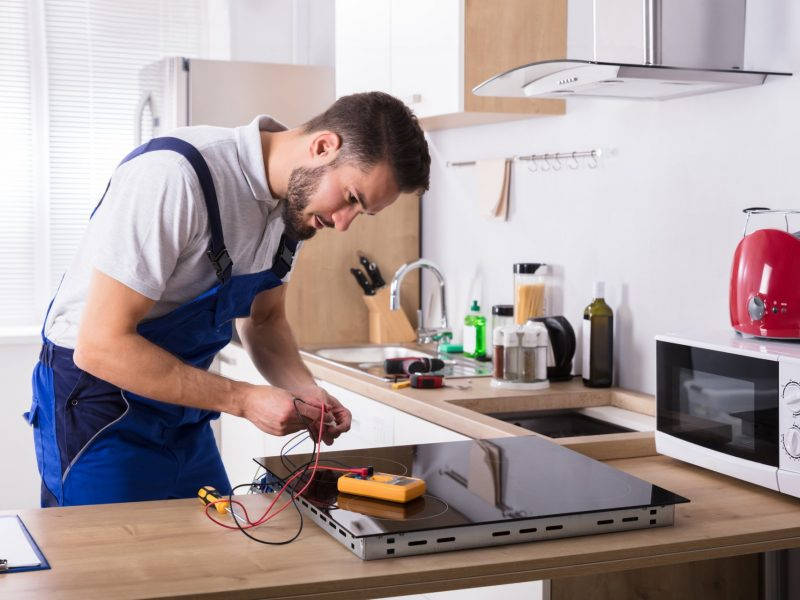 Why You Should Hire Professionals to Repair Your Oven